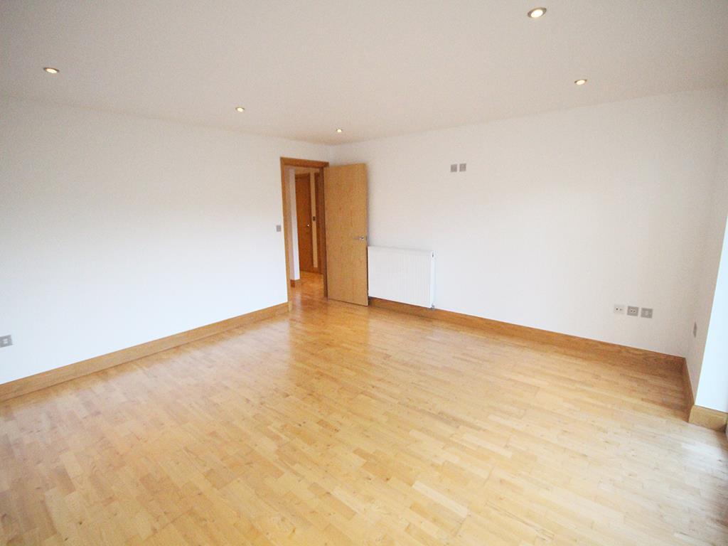 2 bedroom flat For Sale in Foulridge, Colne - IMG_0904.jpg